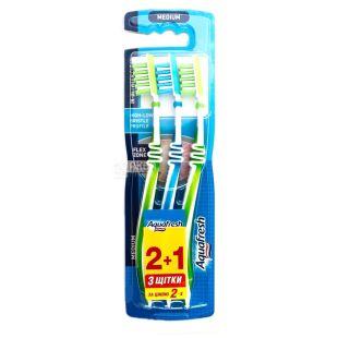 Зубна щітка Aquafresh In-Between Clean 2+1, середньої жорсткості